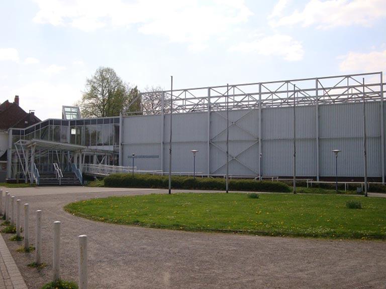 http://www.adler-bottrop.de/wp-content/uploads/2018/09/Halle_Berufsschule_640.jpg